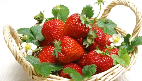 吃什么可以美白祛斑 草莓橘子