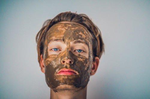 干燥的秋季,有肌肤困扰的只有女性?现在流行的男性肌肤对策是?