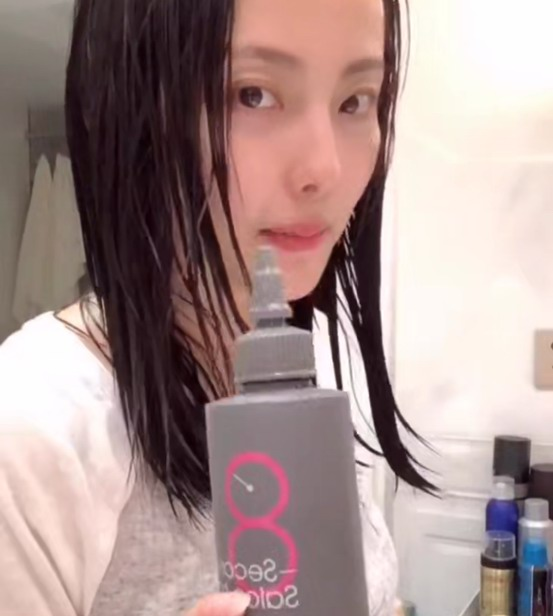 张嘉倪素颜推荐,这款神奇的发膜连她都在用!