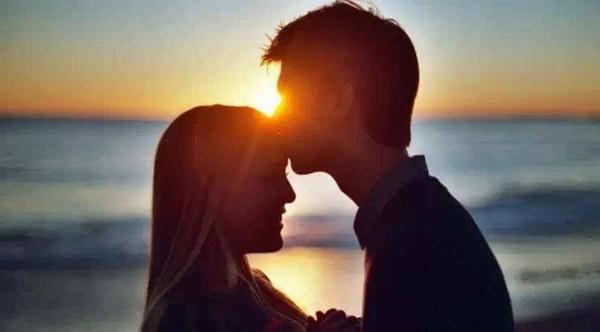 大胆爱丨有一位暖到极致的男友是什么感觉?除了半夜太热把他踹下床...