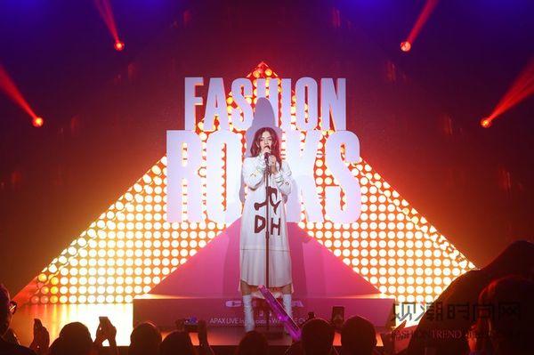 Charli XCX空降Fashion Rocks发布会10月中国首秀