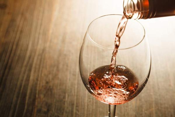 别骗人啦!怎会有人不喜欢桃红葡萄酒?